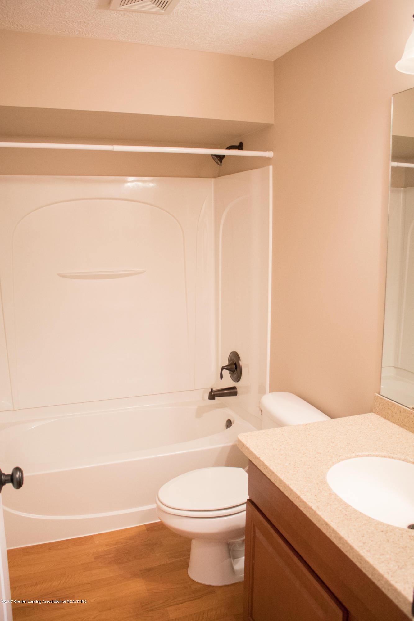 2550 Lupine Ct - LL Full Bath - 69