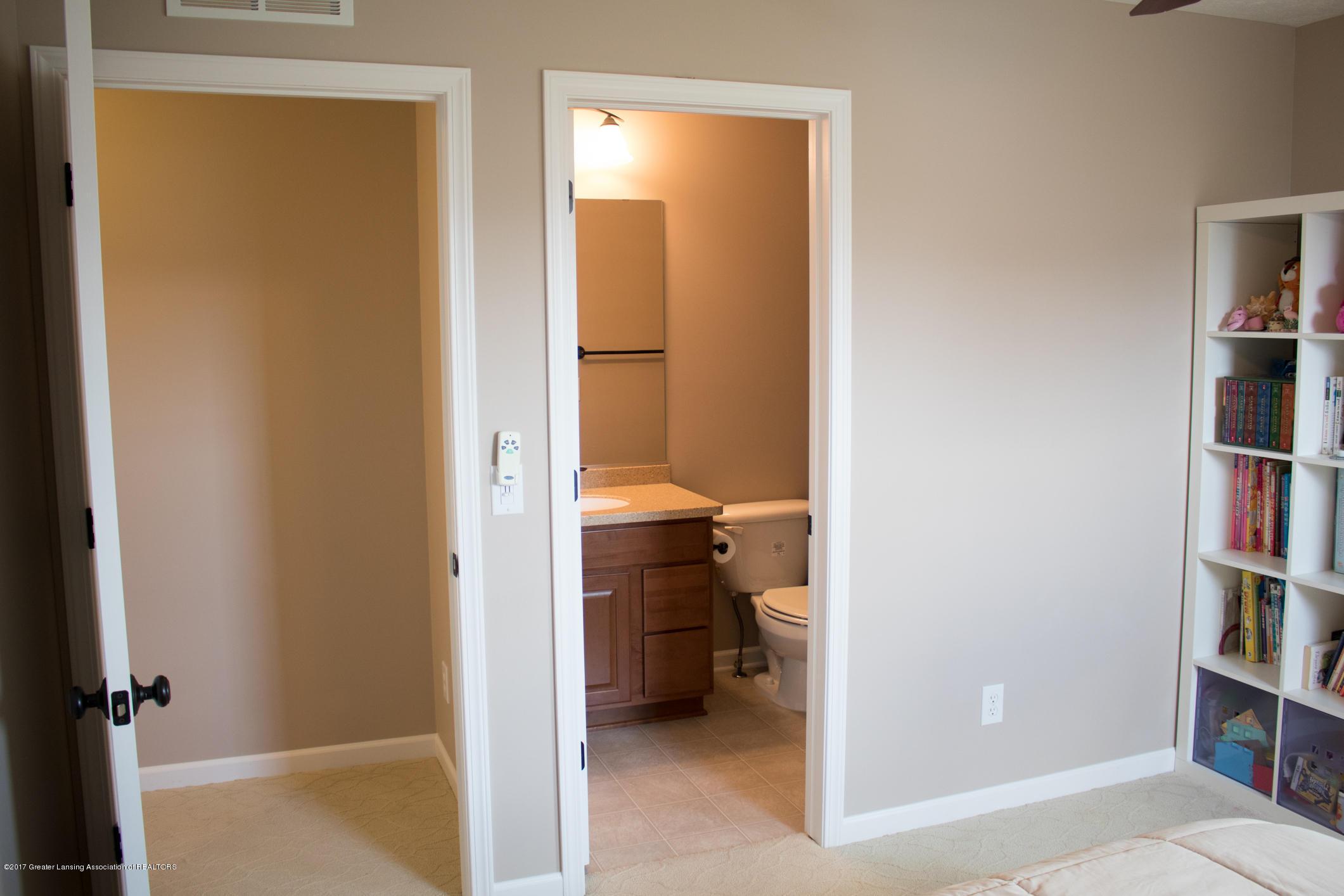 2550 Lupine Ct - Suite Bath - 61