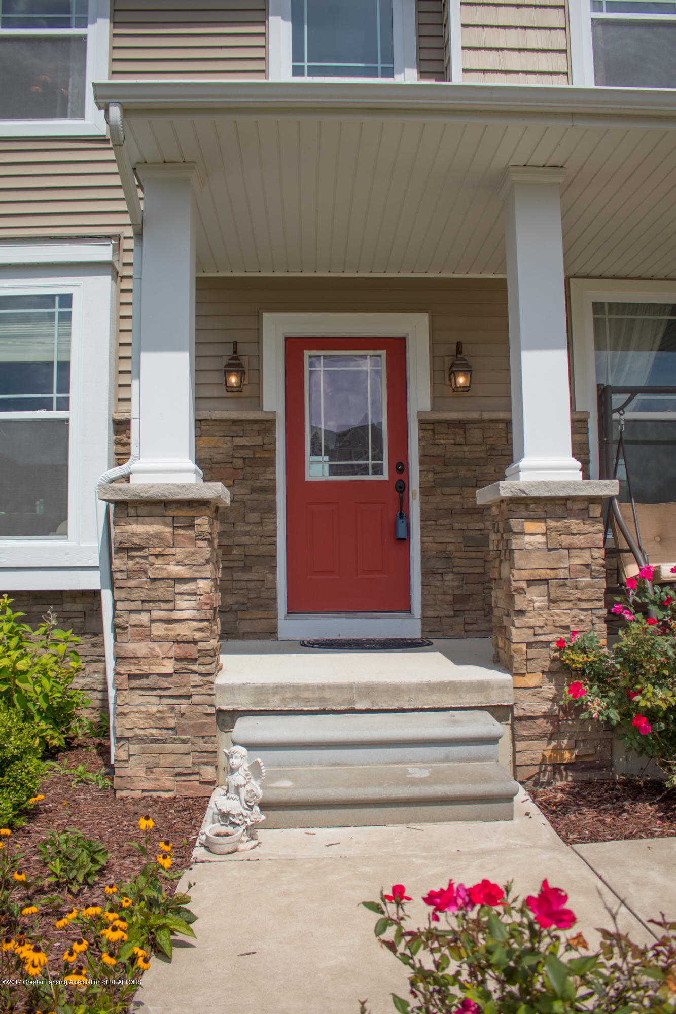 2550 Lupine Ct - Front Porch - 4