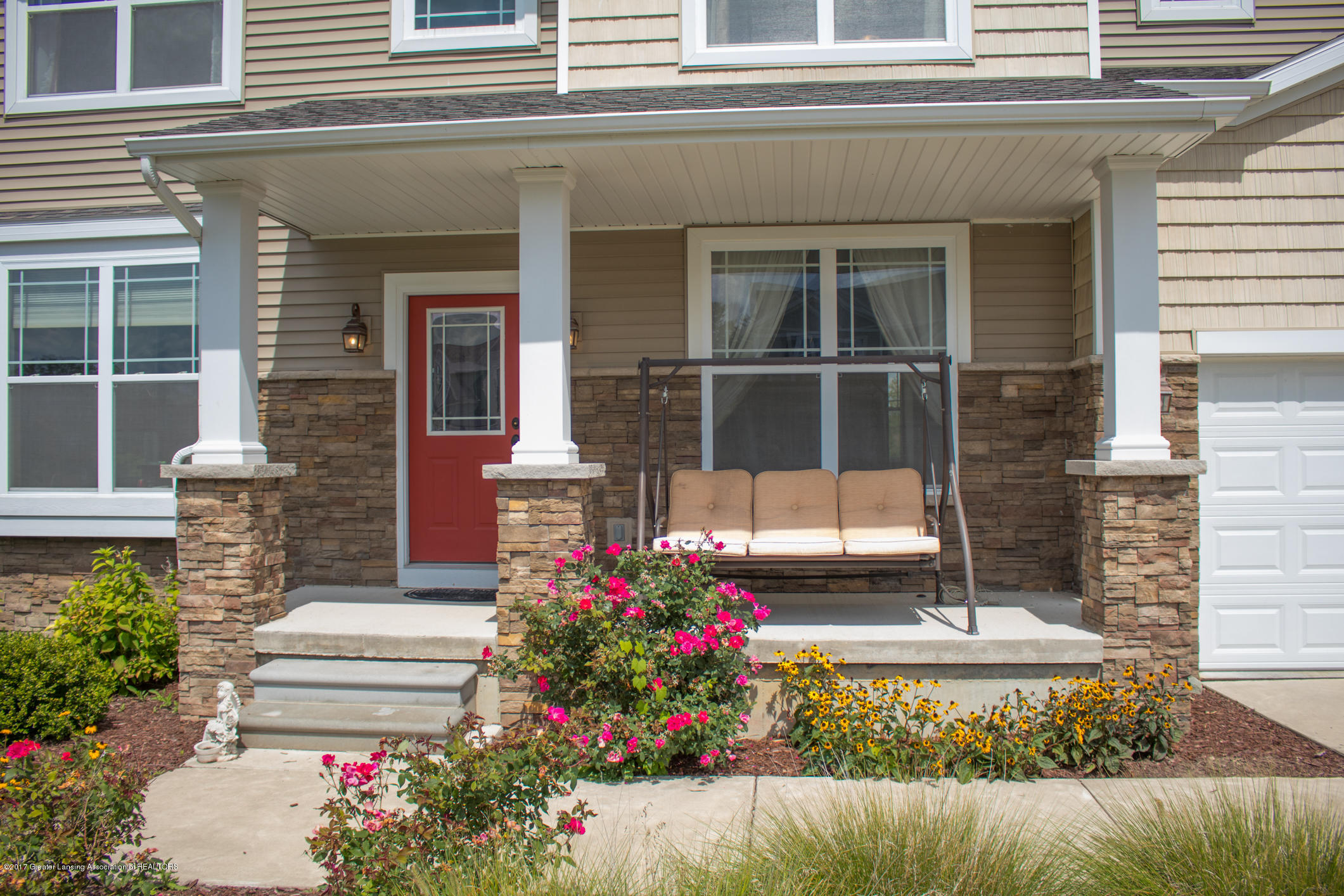 2550 Lupine Ct - Front Porch - 5