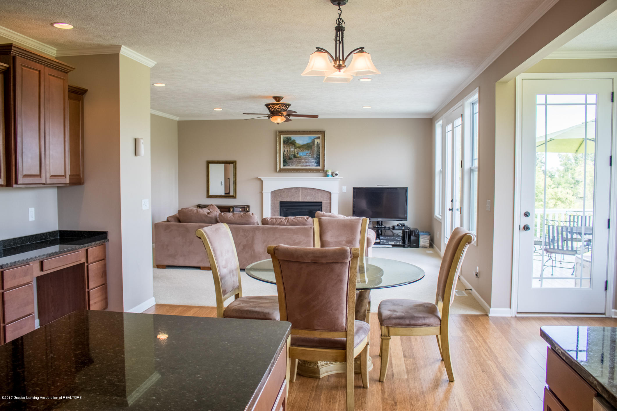2550 Lupine Ct - Kitchen to Great Room - 35
