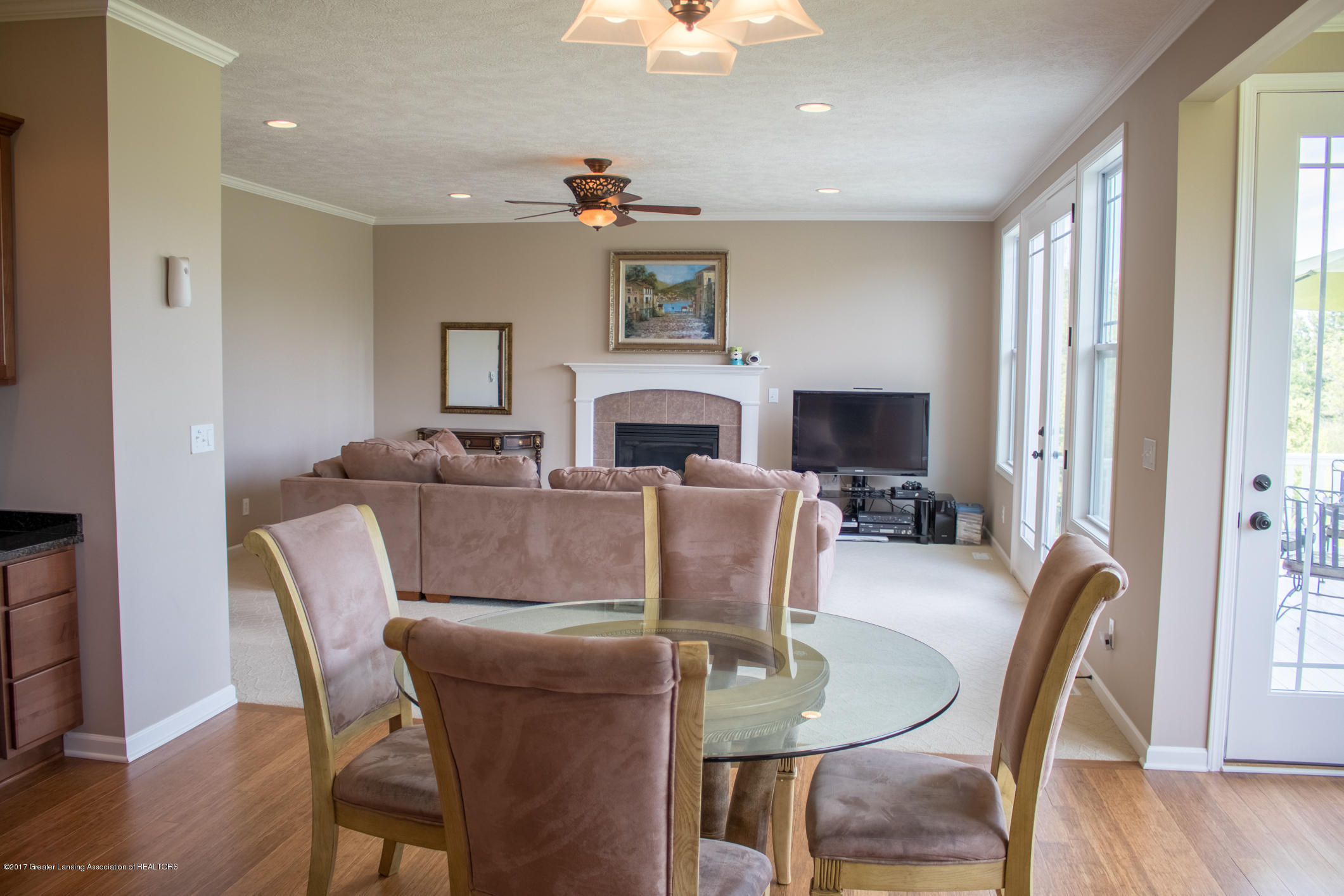 2550 Lupine Ct - Kitchen Eating Area - 31