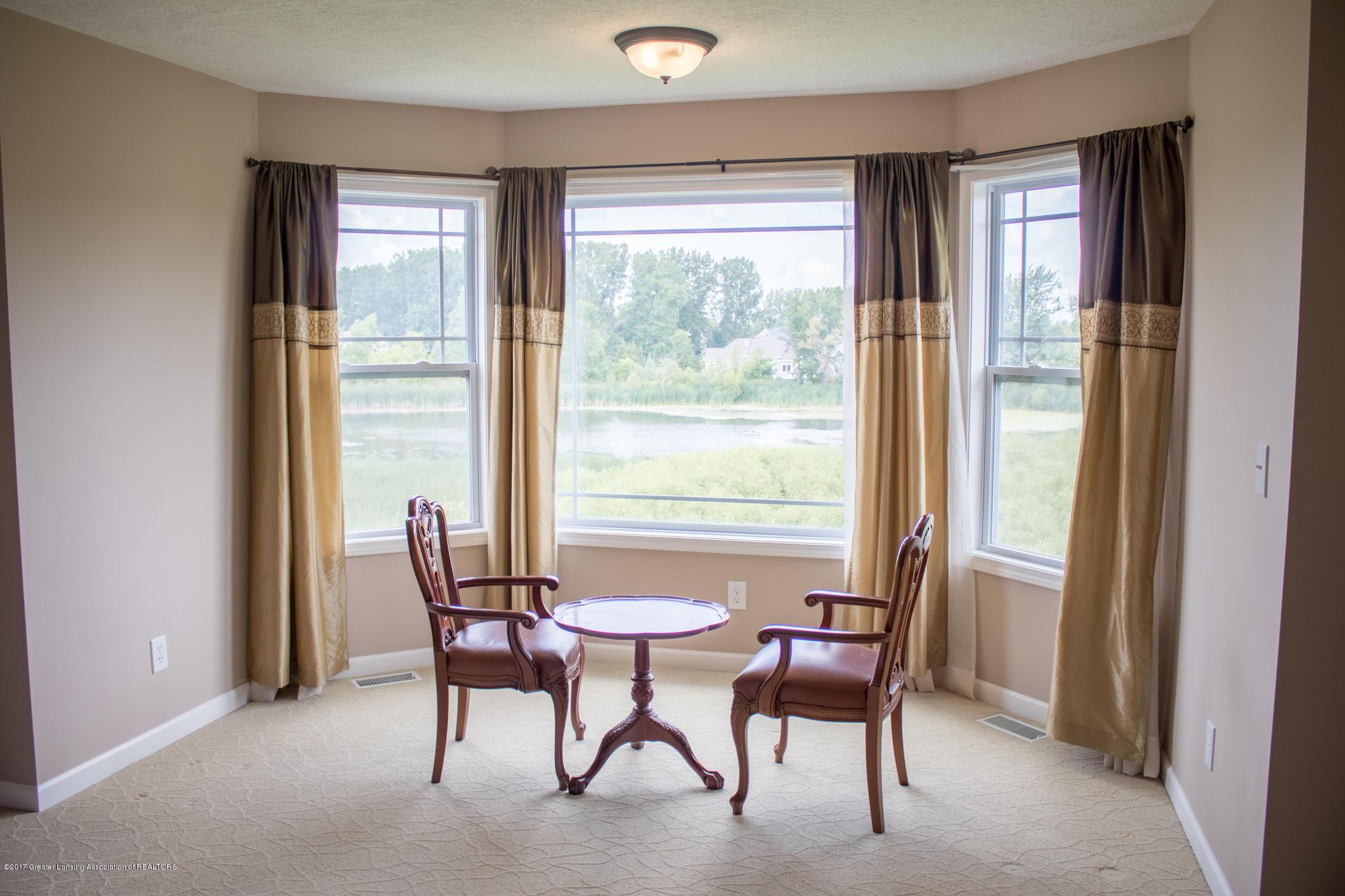 2550 Lupine Ct - Master Bedroom Sitting Area - 54
