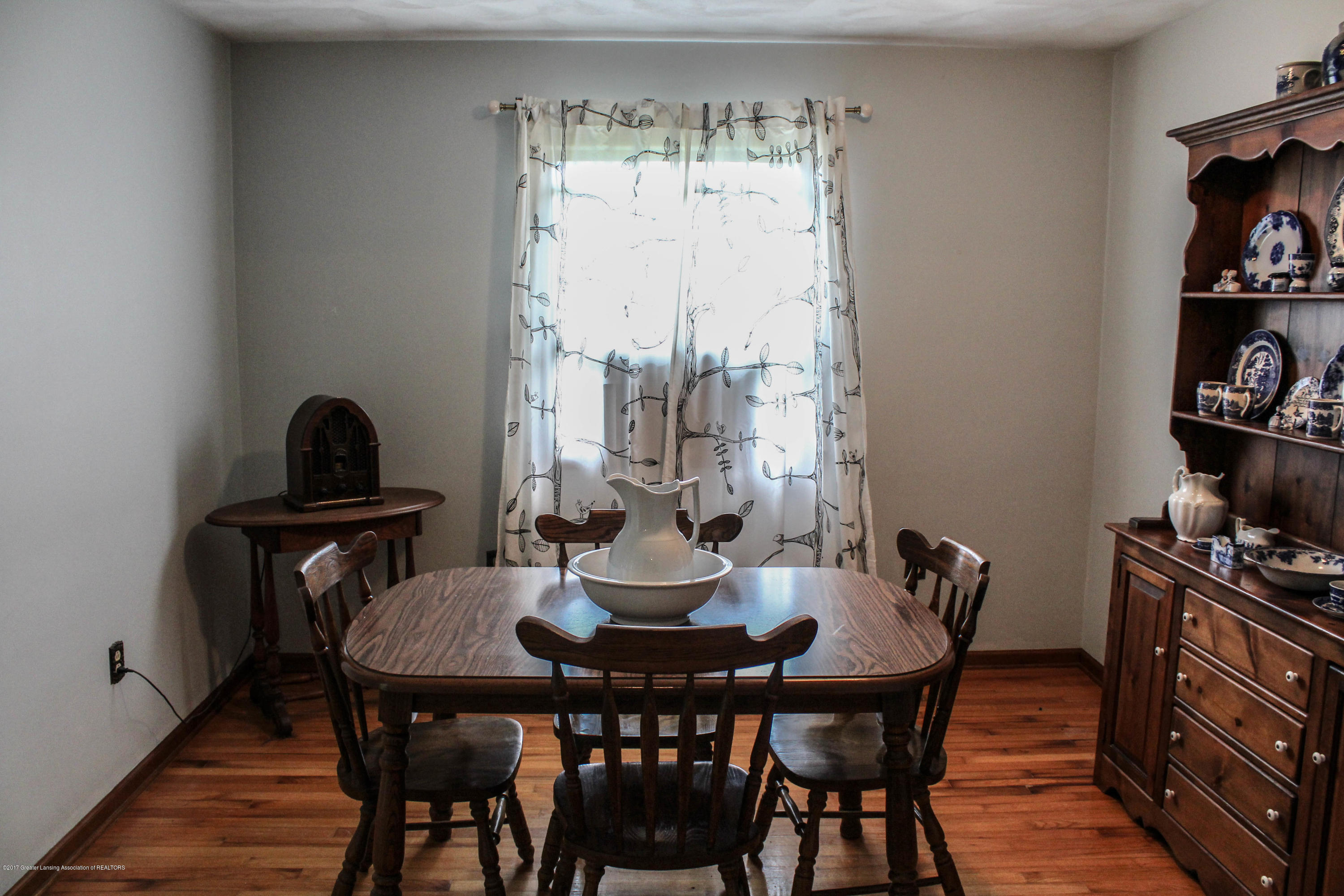 10239 Converse Rd - Dining Room - 6