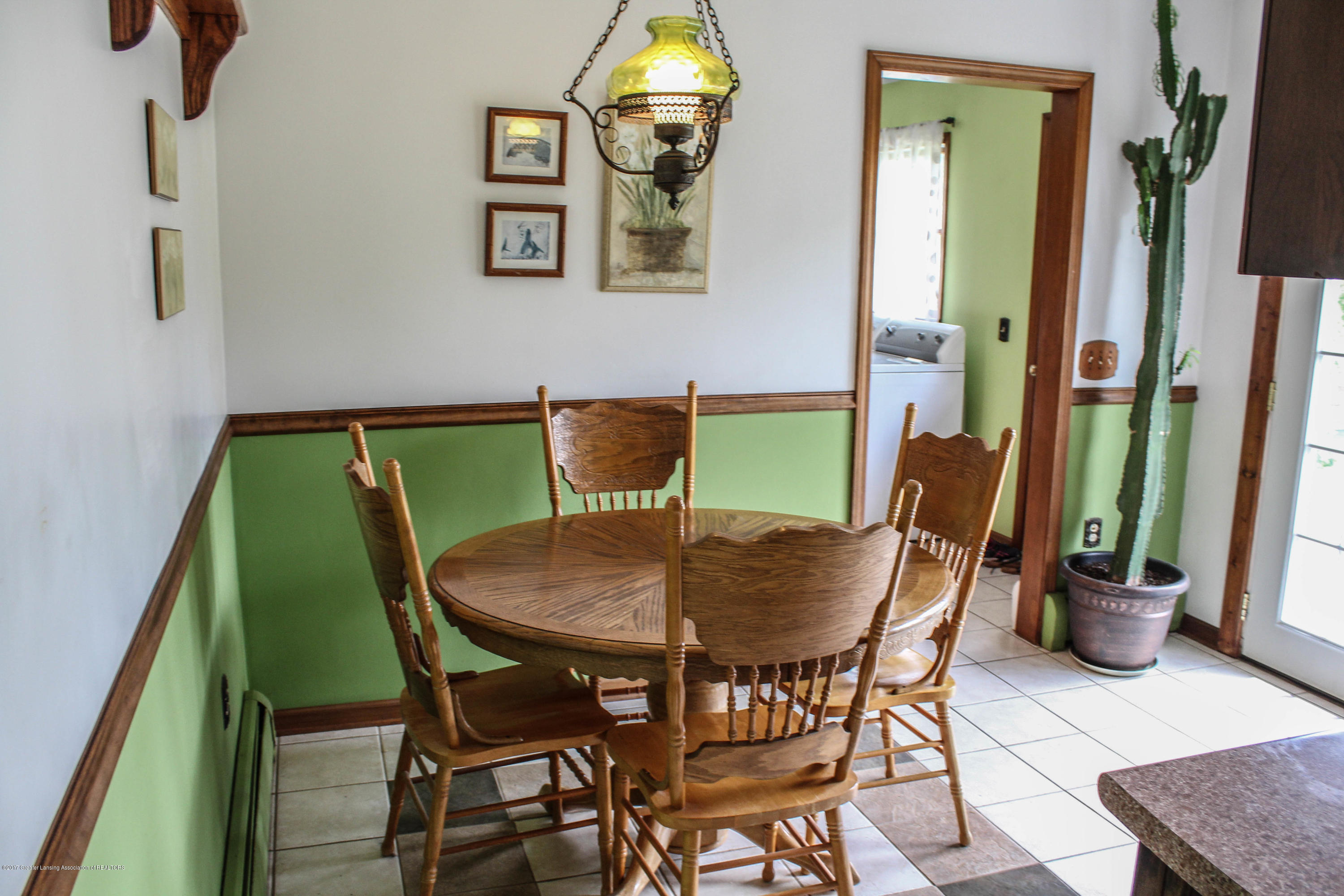 10239 Converse Rd - Breakfast Nook - 8