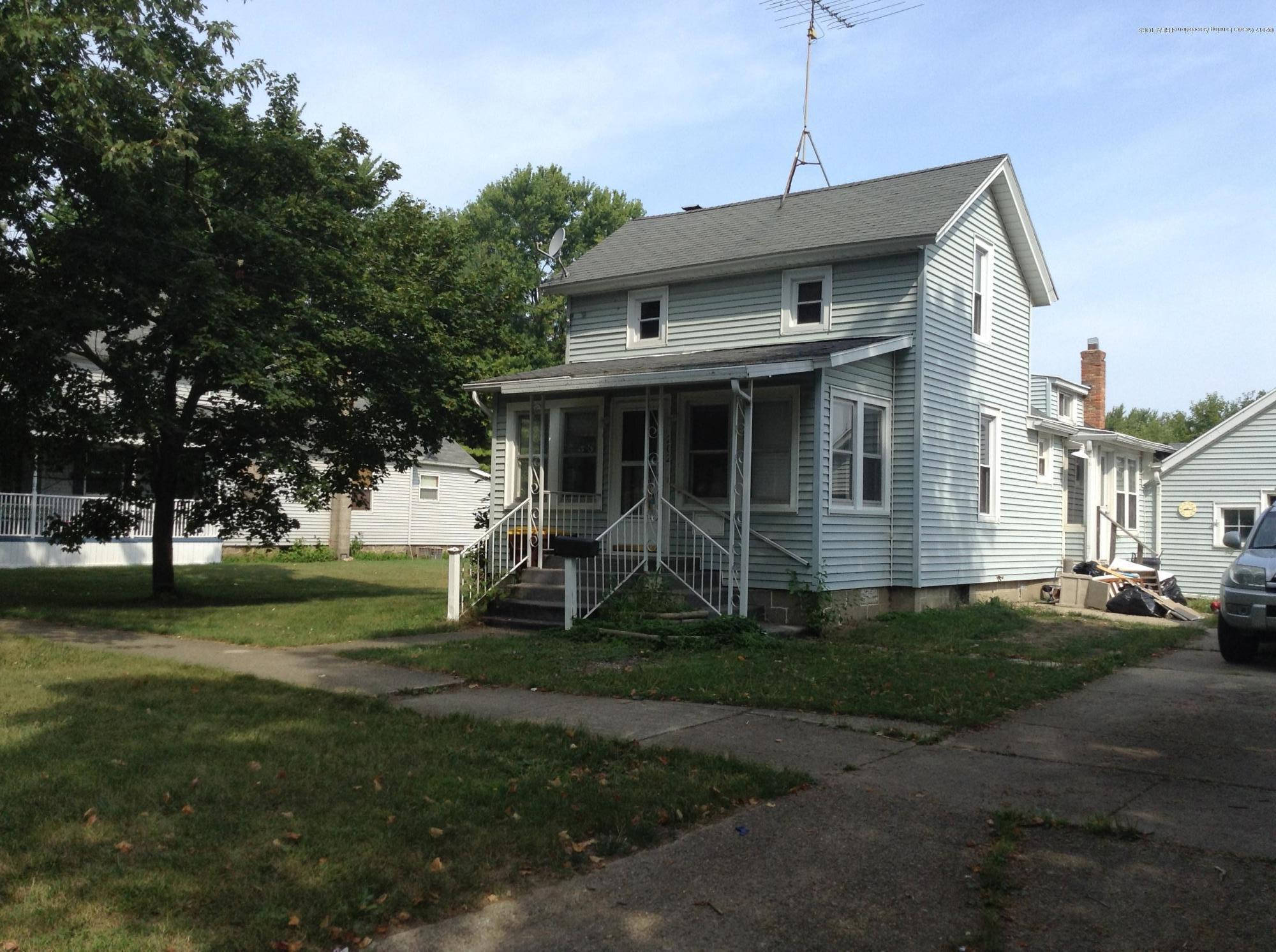 202 W Floral Ave - Floral - 1