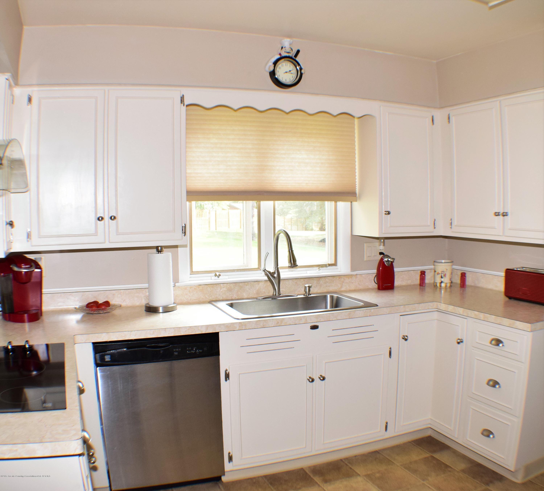 2162 Tamie Way - Kitchen - 15
