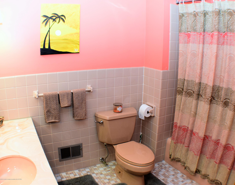 2162 Tamie Way - Full Bath - 27