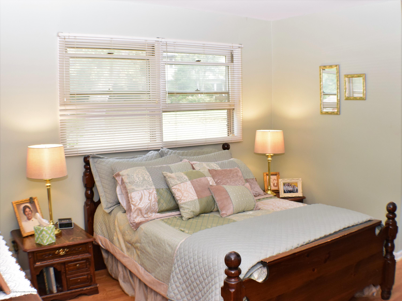 2162 Tamie Way - Master Bedroom - 28