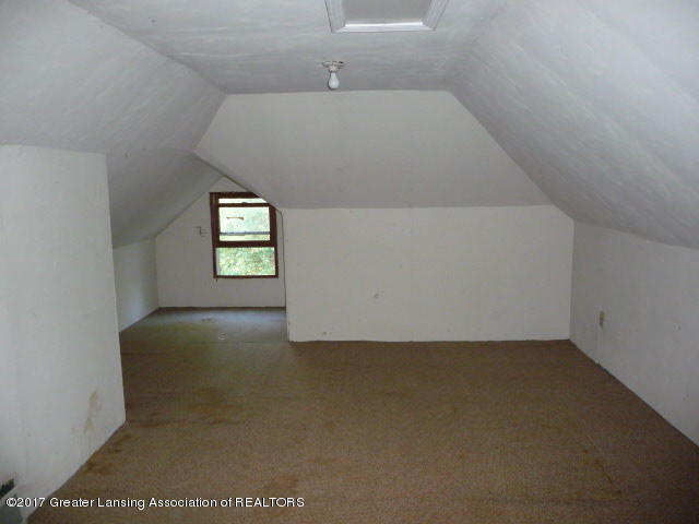 225 N Foster Ave - P1130317 - 15