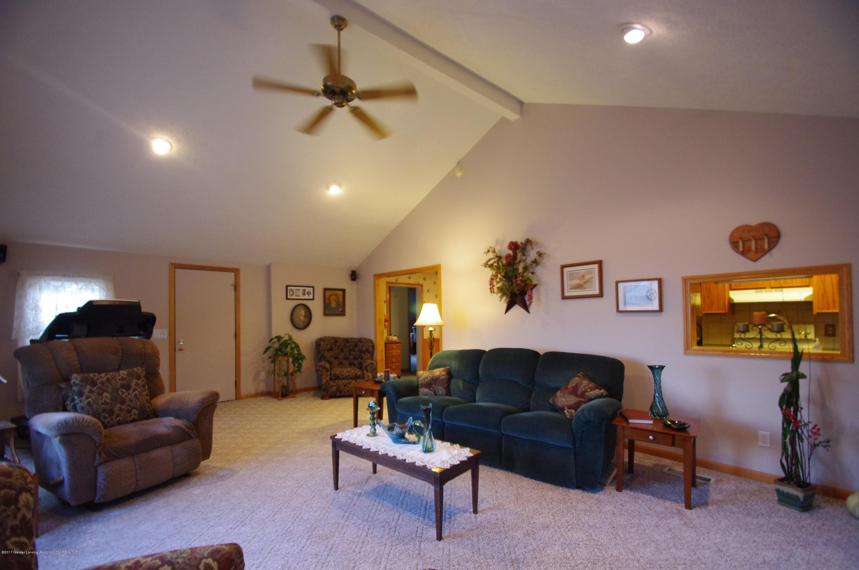 5545 S Krepps Rd - Living Room - 5