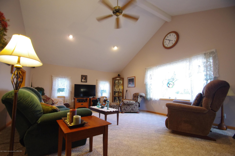 5545 S Krepps Rd - Living Room - 7