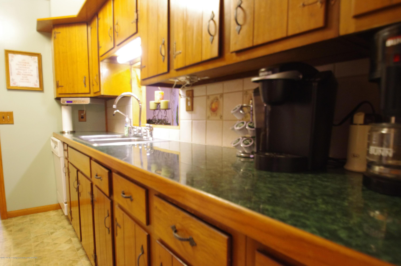 5545 S Krepps Rd - Kitchen - 11