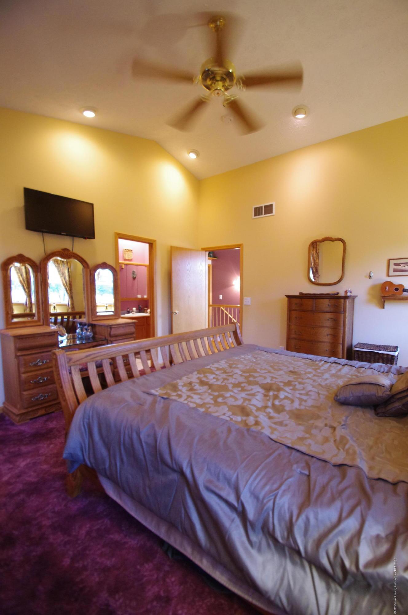 5545 S Krepps Rd - Master Bedroom - 22