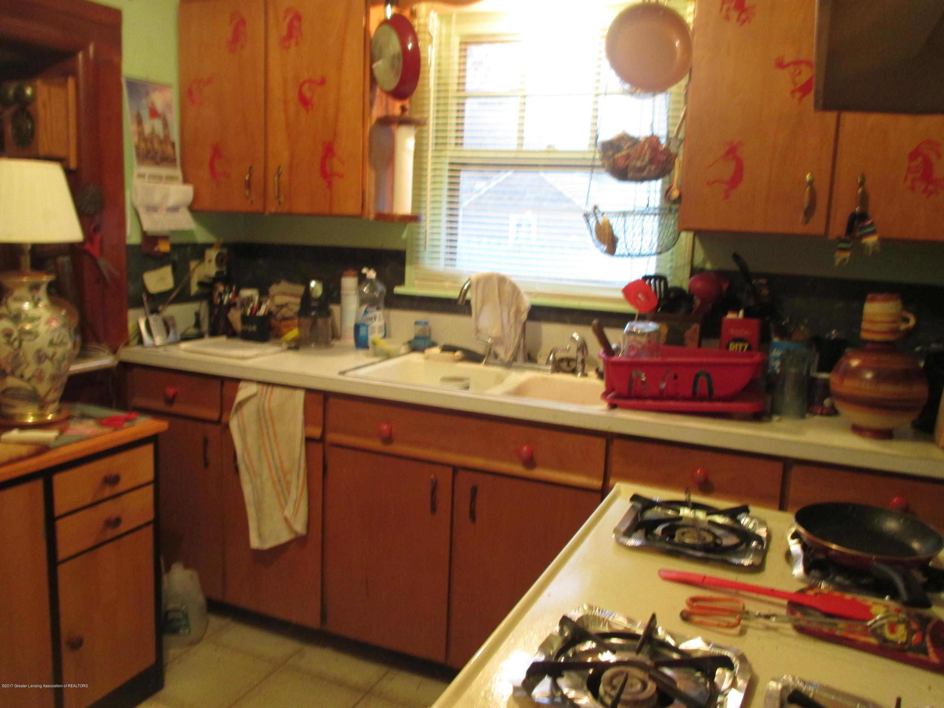 919 McKim Ave - Kitchen - 4