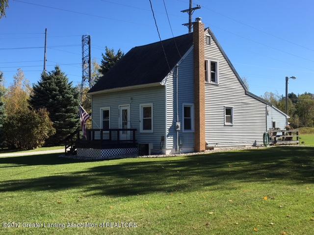 2216 E Cavanaugh Rd - Front Exterior - 1