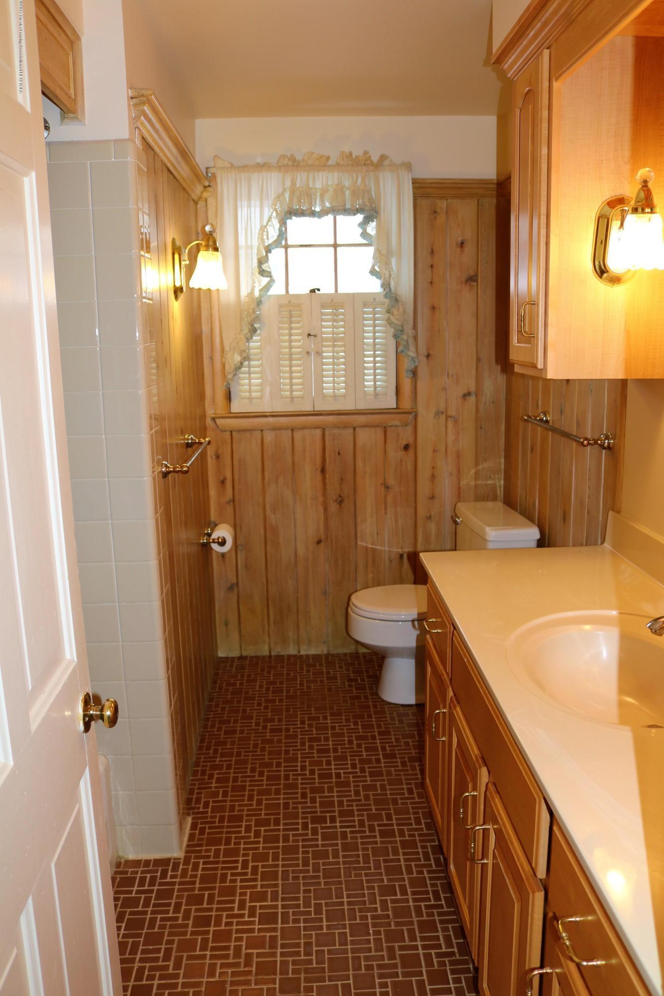 4014 Marmoor Dr - Bathroom - 16
