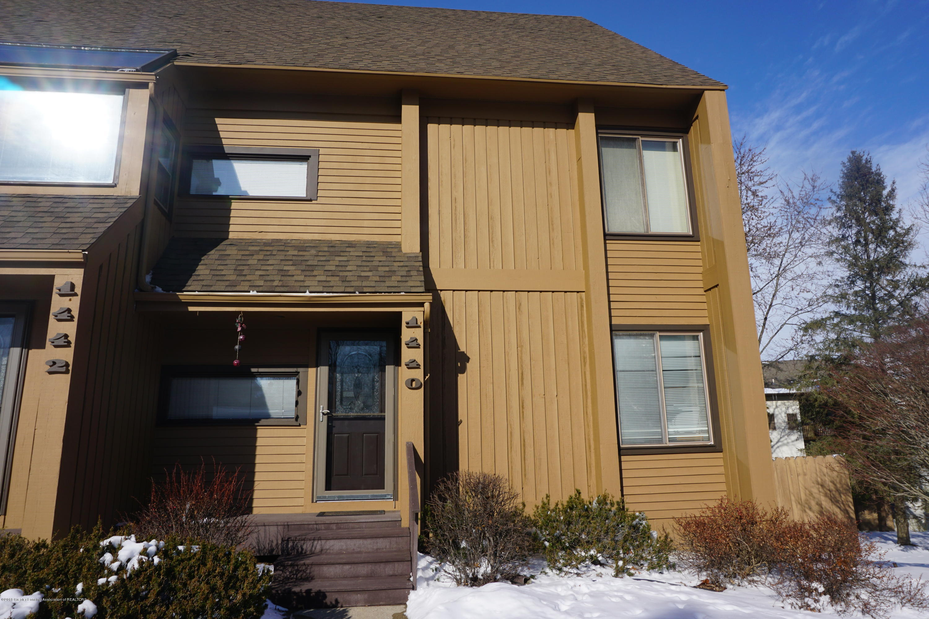1440 Treetop Dr - Front - 1