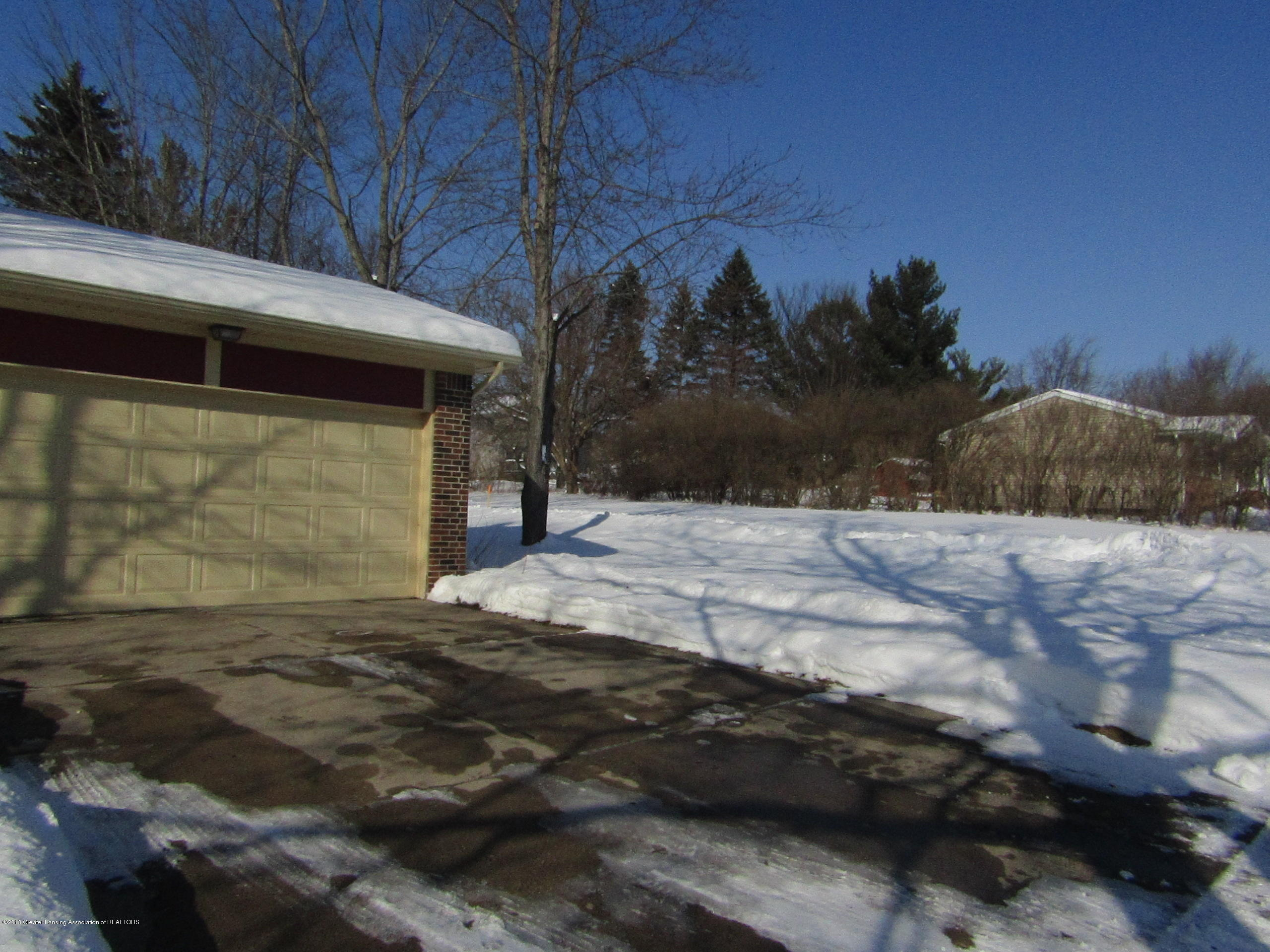 2123 Beacon Hill Dr - Empty City Lot - 2