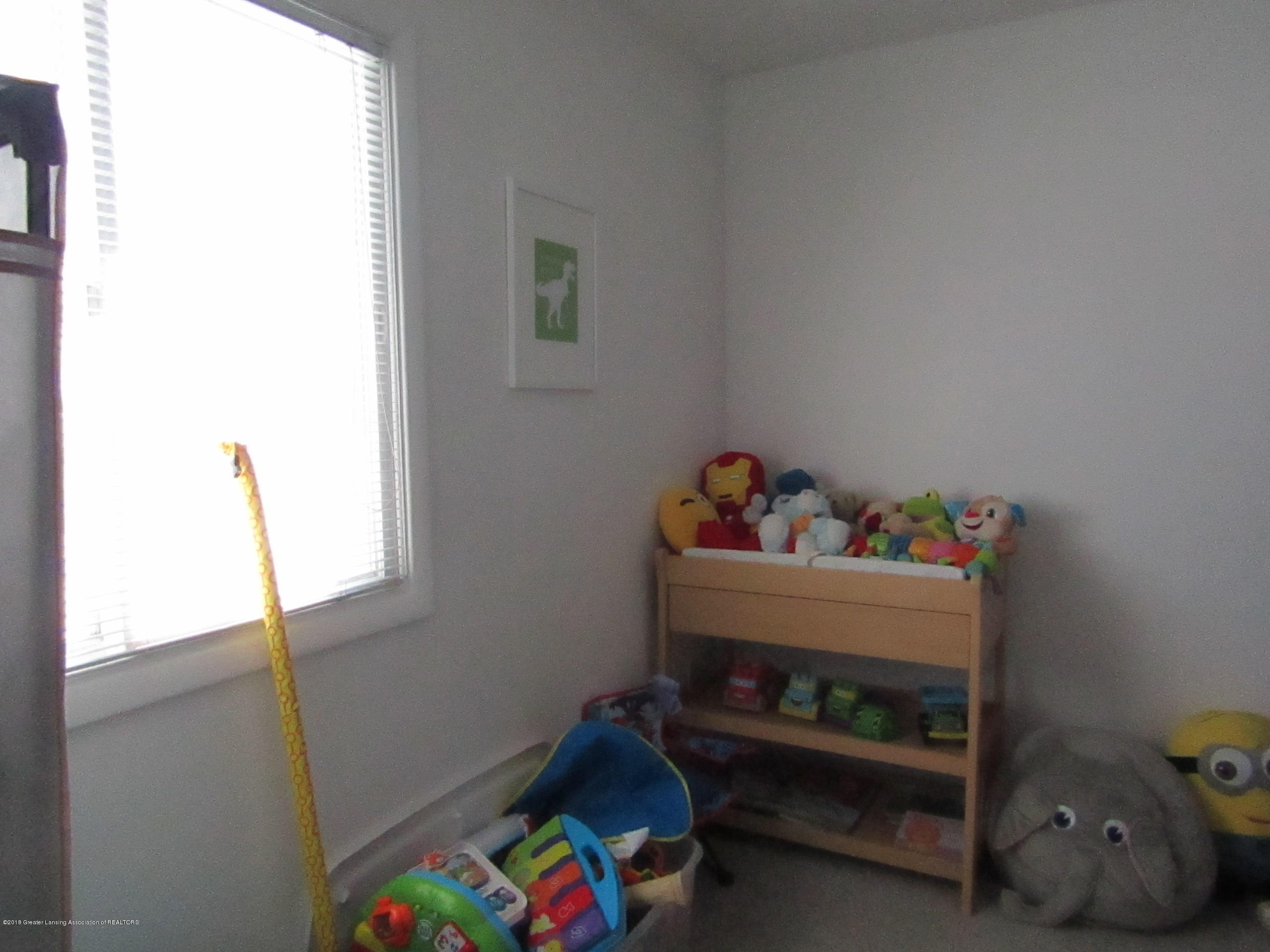 2123 Beacon Hill Dr - Bedroom 2 - 21