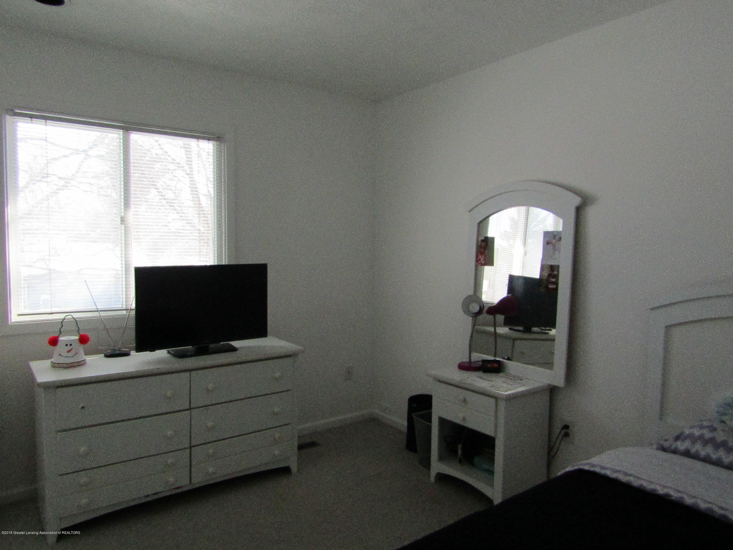 2123 Beacon Hill Dr - Bedroom 3 - 22