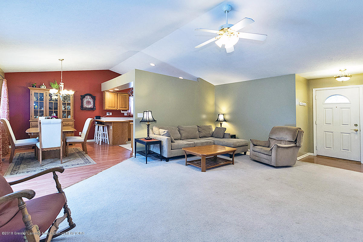 13747 Remington Dr - livingroom - 3