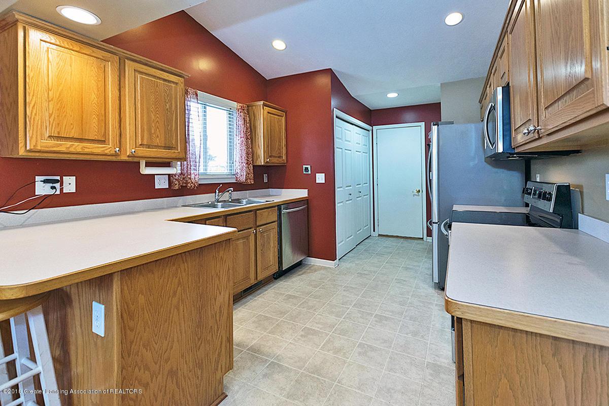 13747 Remington Dr - kitchen - 7