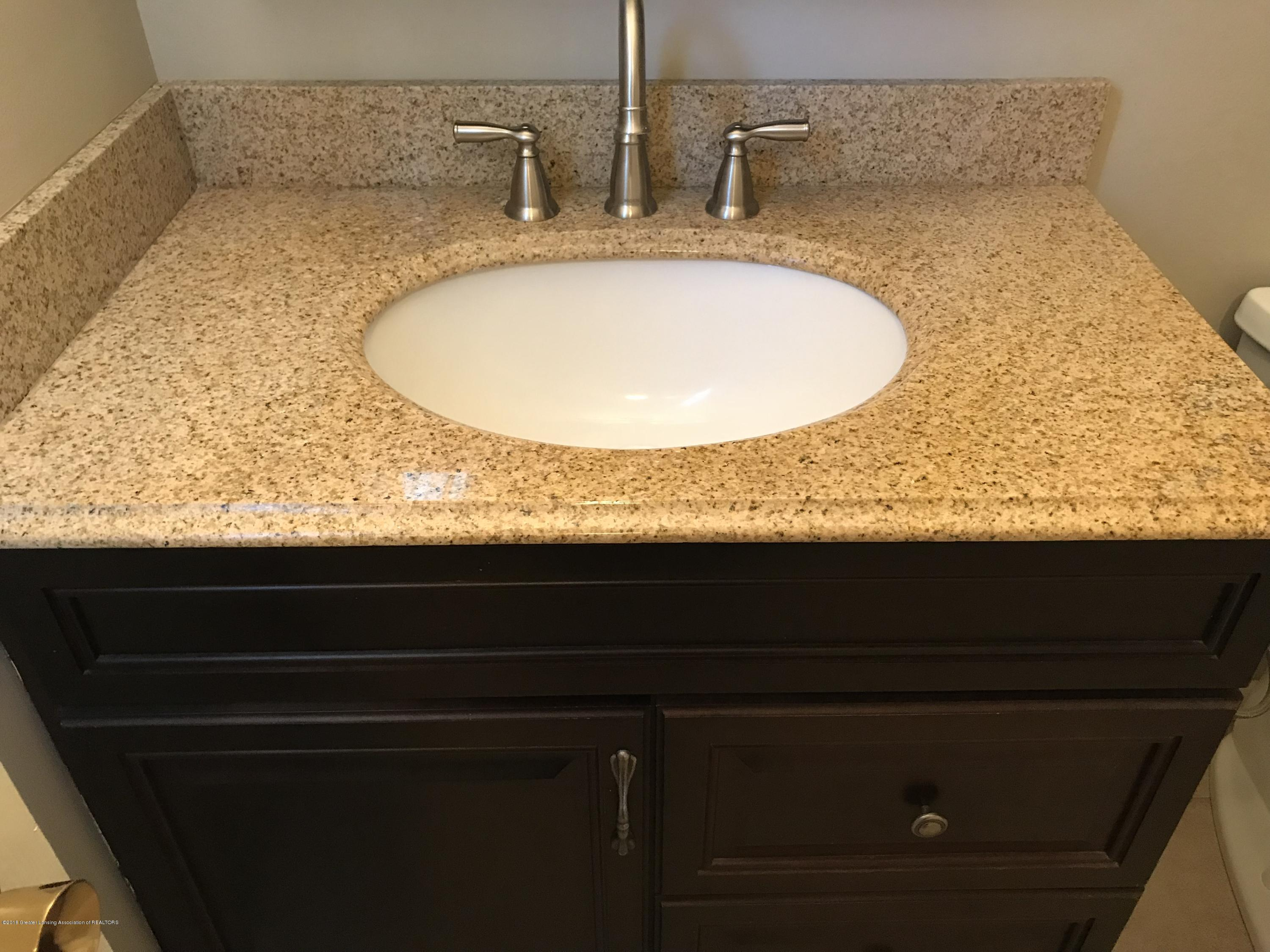 2010 Beacon Hill Dr - granite sink! - 27
