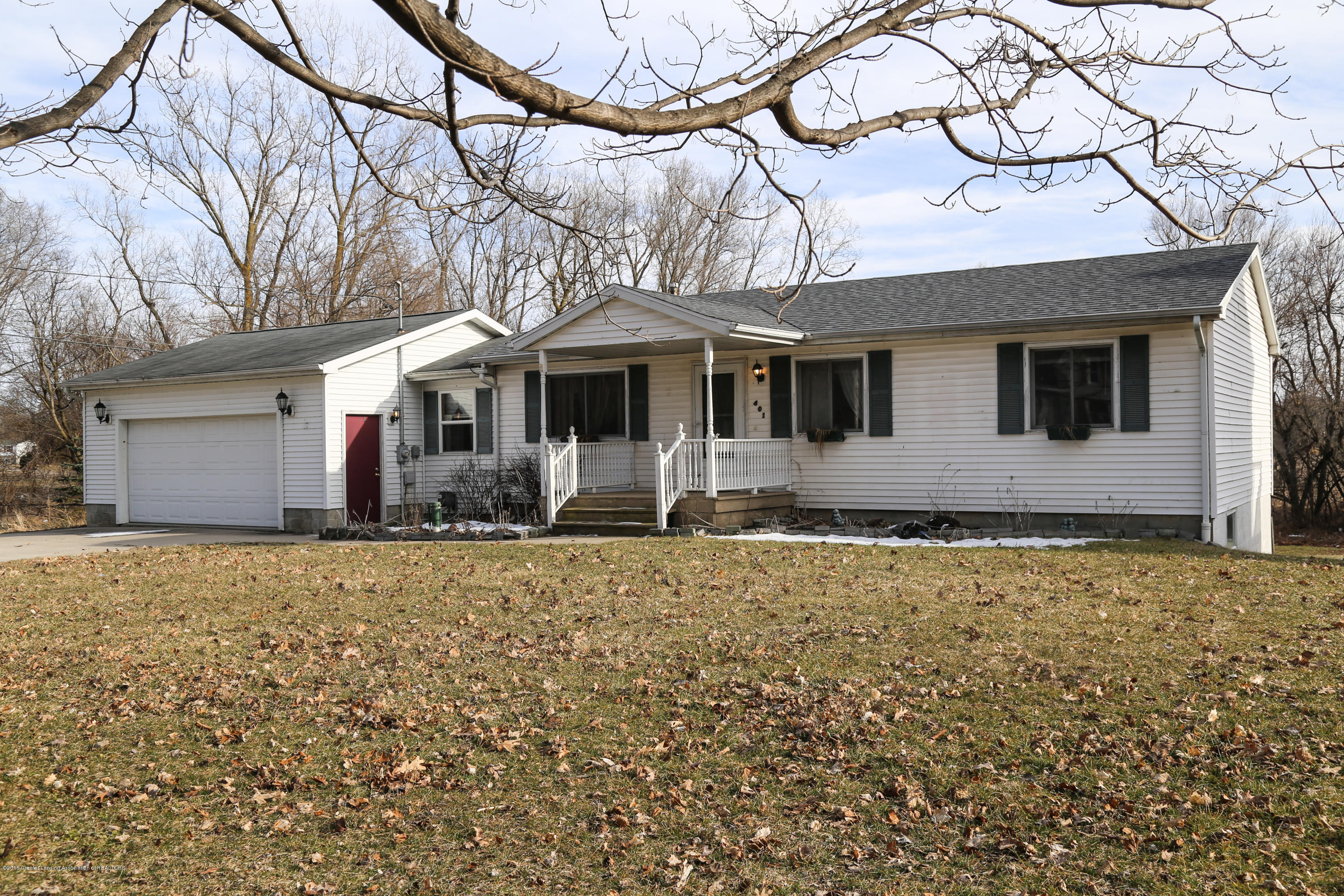 401 W Grand River Rd - Front1-2113 - 1