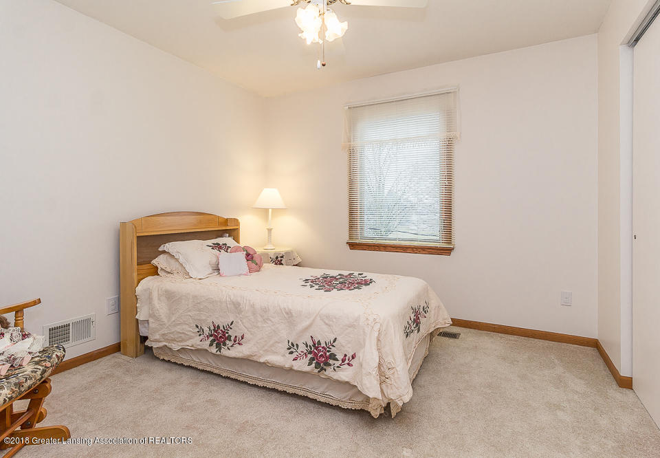 4980 S Francis Rd - Bedroom 3 - 15
