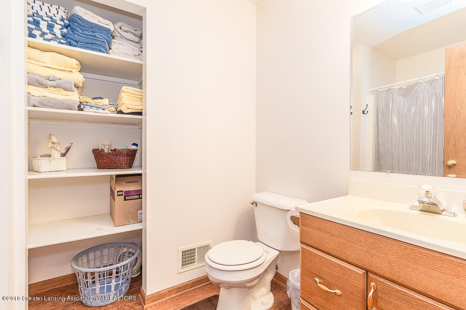4980 S Francis Rd - Bathroom 2 - 16