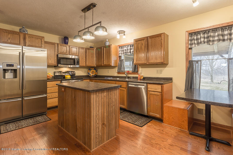 4980 S Francis Rd - Kitchen - 5