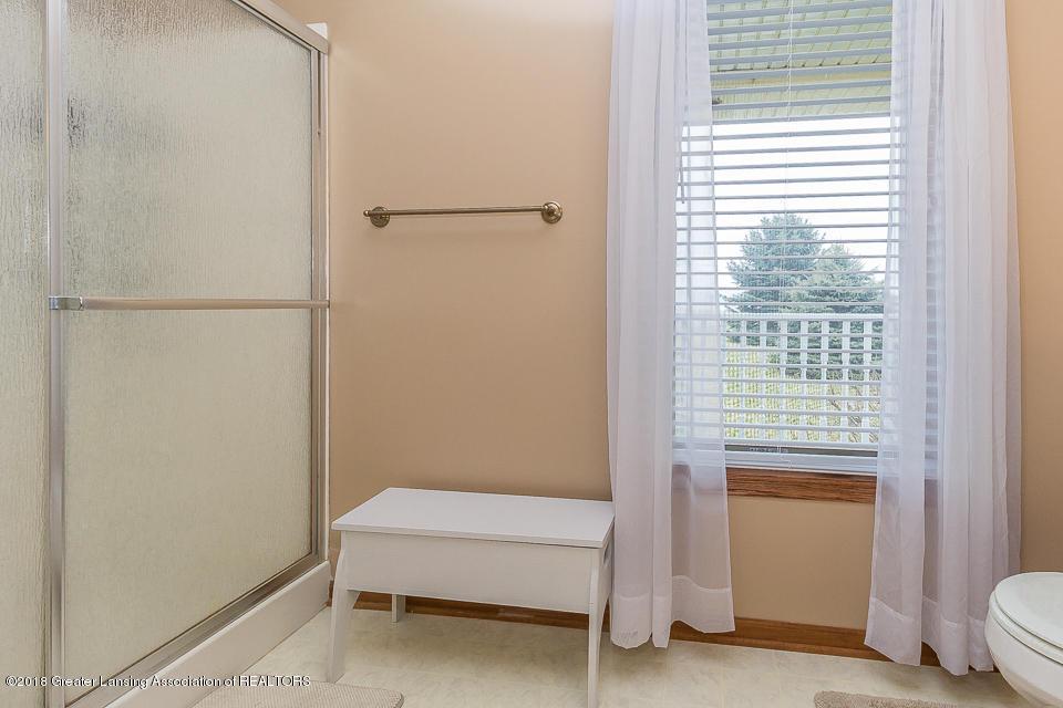 4980 S Francis Rd - Bathroom 1 - 9