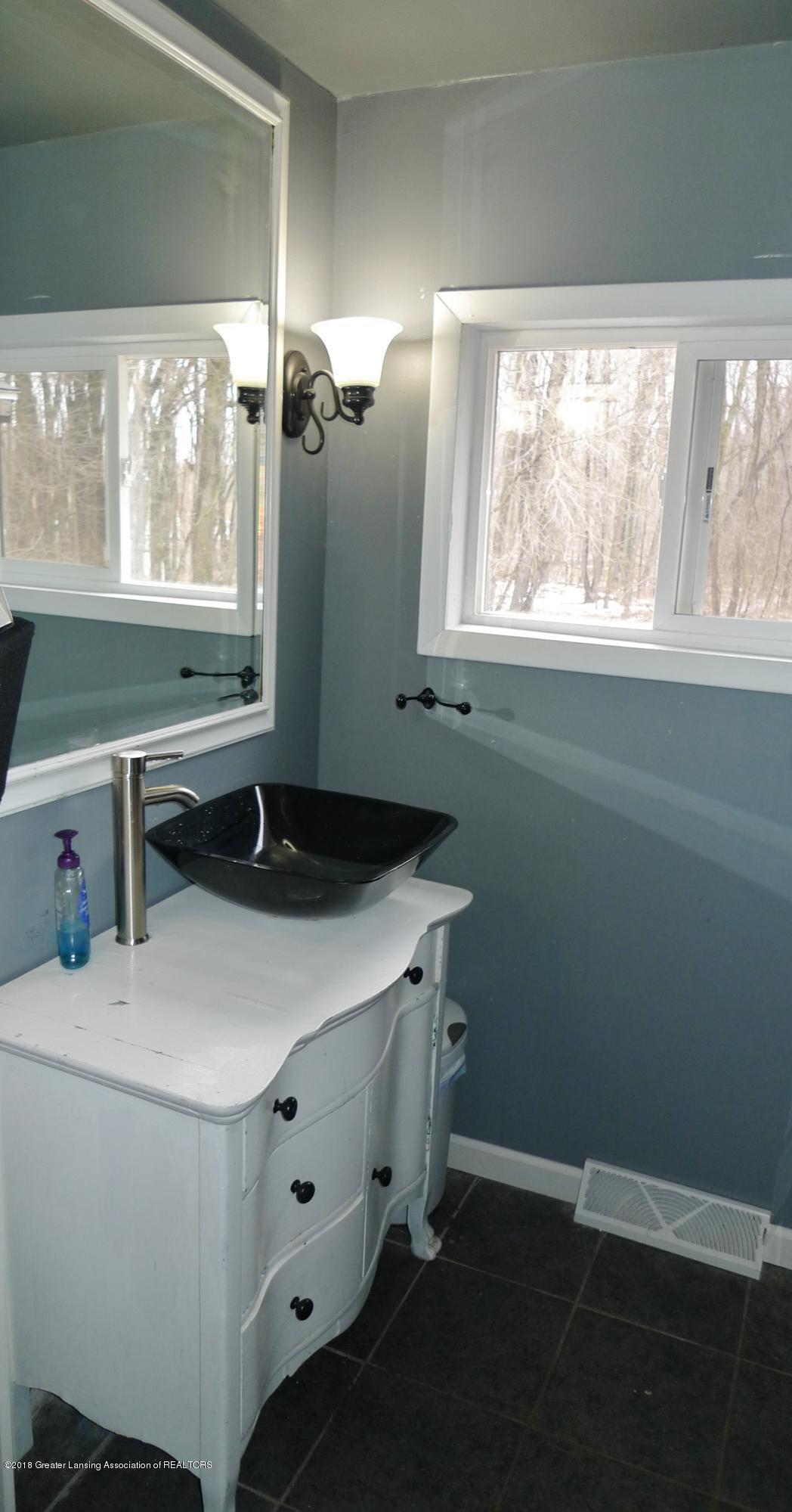 6547 E Cutler Rd - 10 bathroom - 10