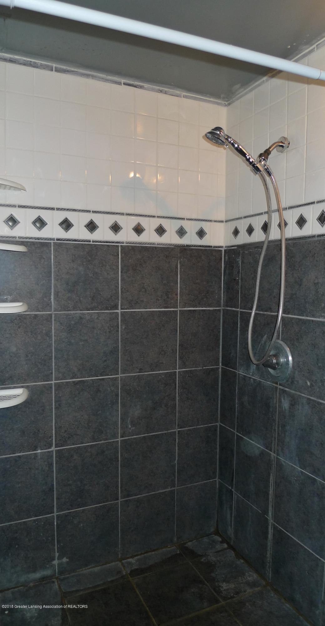 6547 E Cutler Rd - 11 bathroom - 11