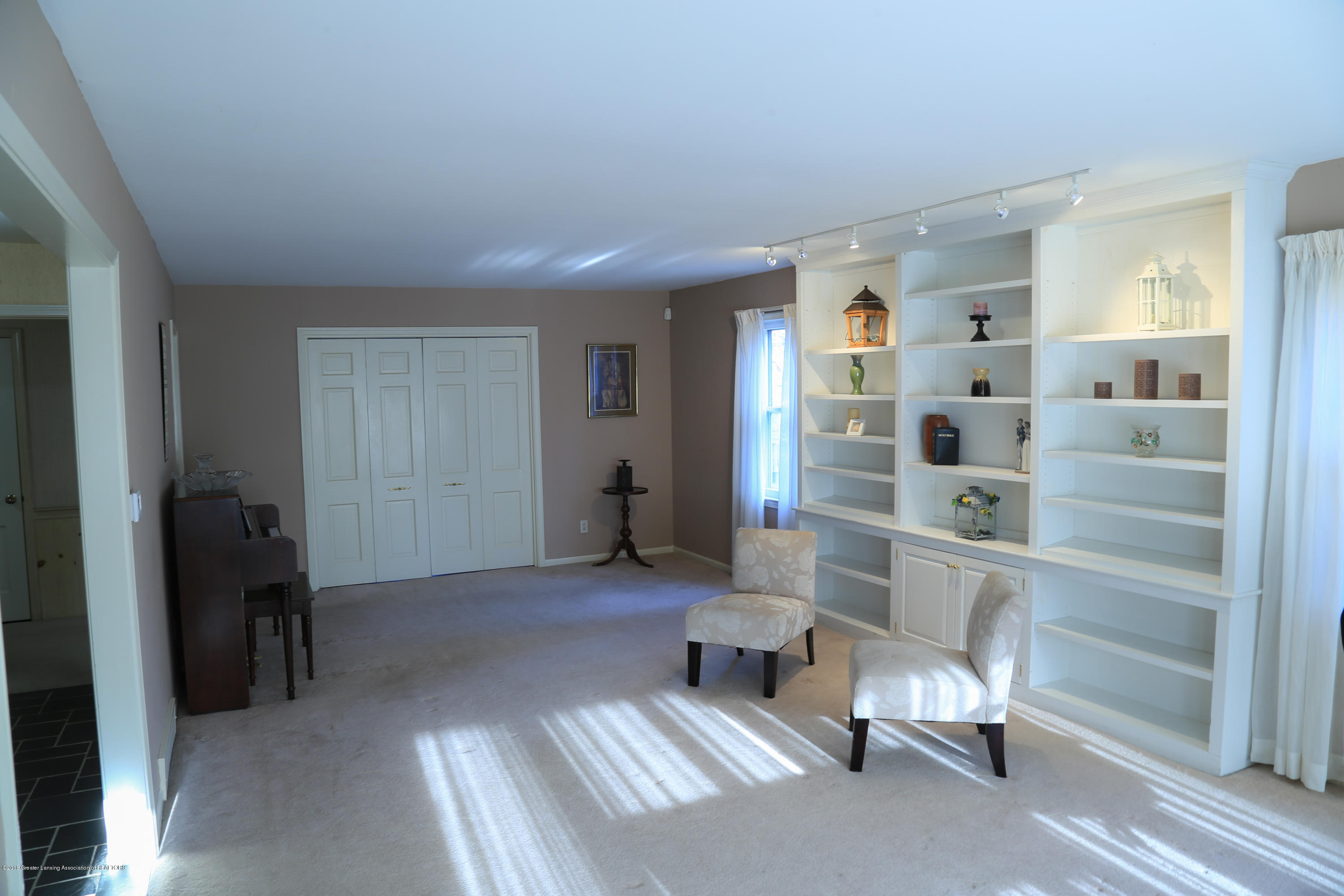 644 Hillcrest Ave - untitled-2636 - 5
