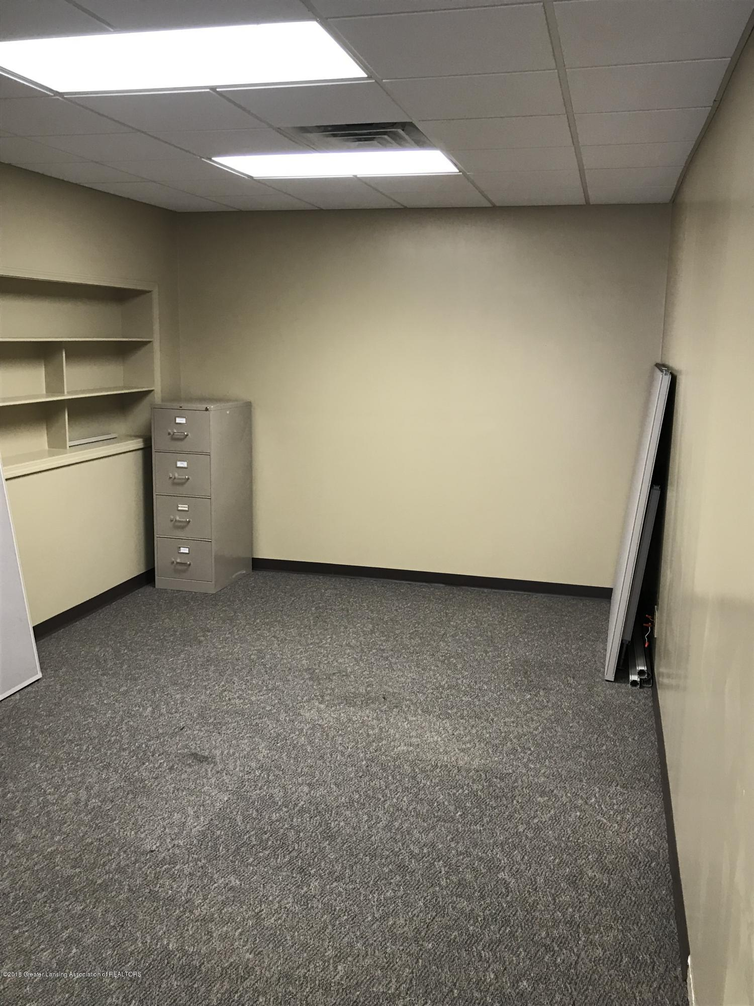 228 S Cochran Ave - 16 Office Space - 17