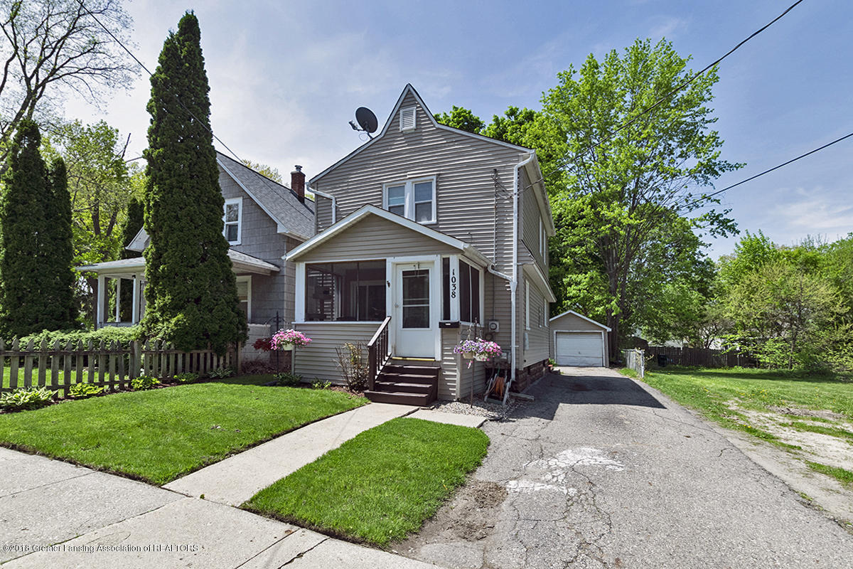 1038 McCullough St - FRONT - 1