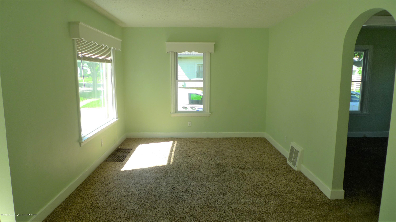 1350 Glenrose Ave - Living Room - 2