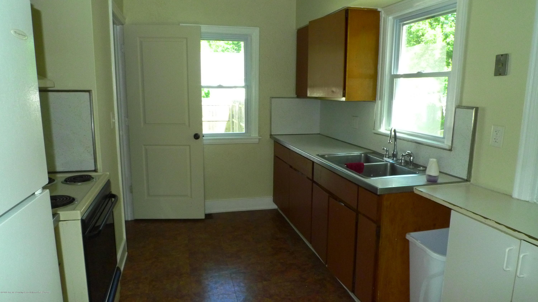1350 Glenrose Ave - Kitchen - 11