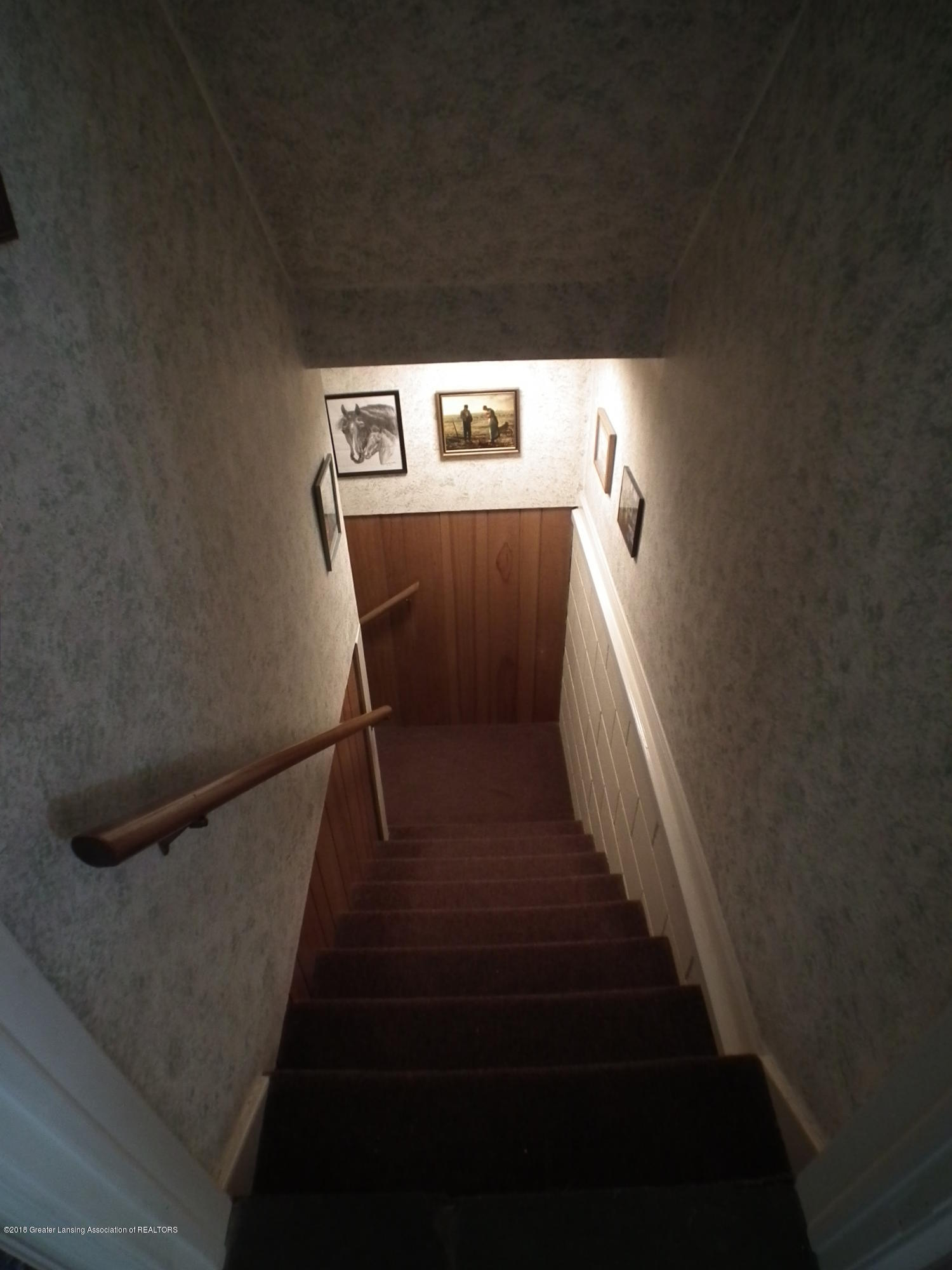 10551 Hamlet Ct - Stairs to the lower level - 30