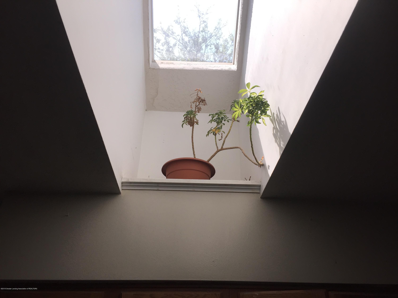 513 S Clemens Ave - Kitchen Skylight - 9