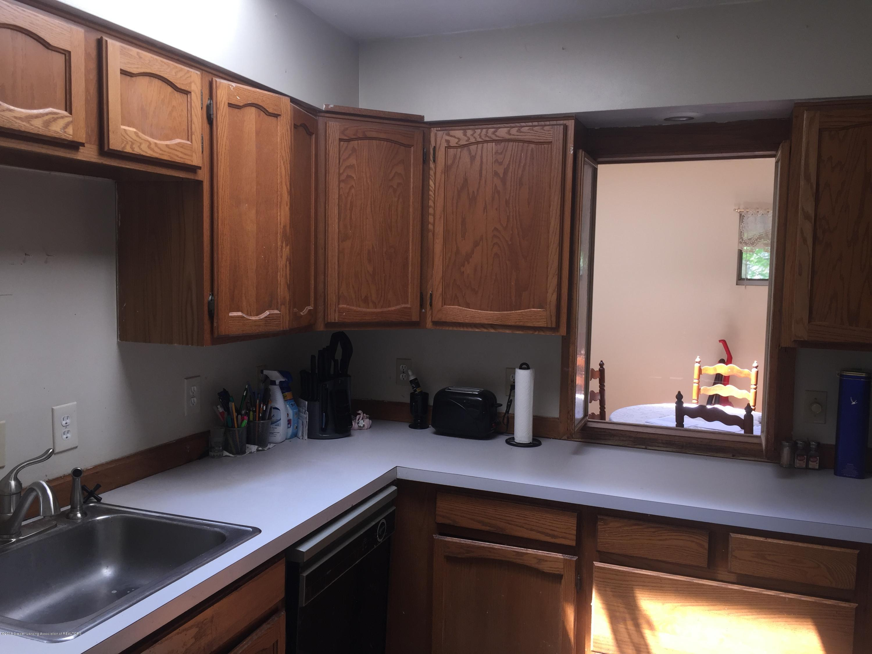 513 S Clemens Ave - Kitchen2 - 11