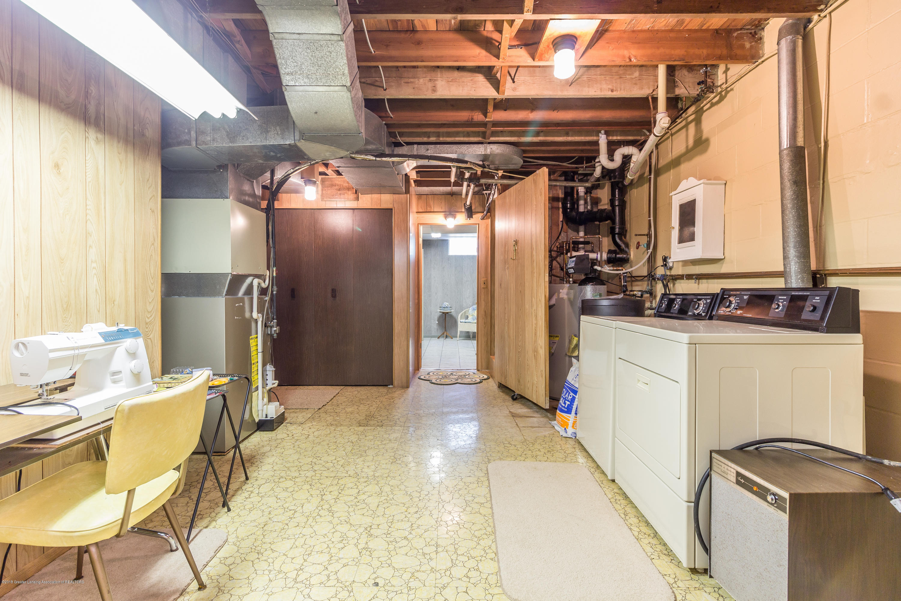 8484 Riverside Rd - Laundry Room - 22