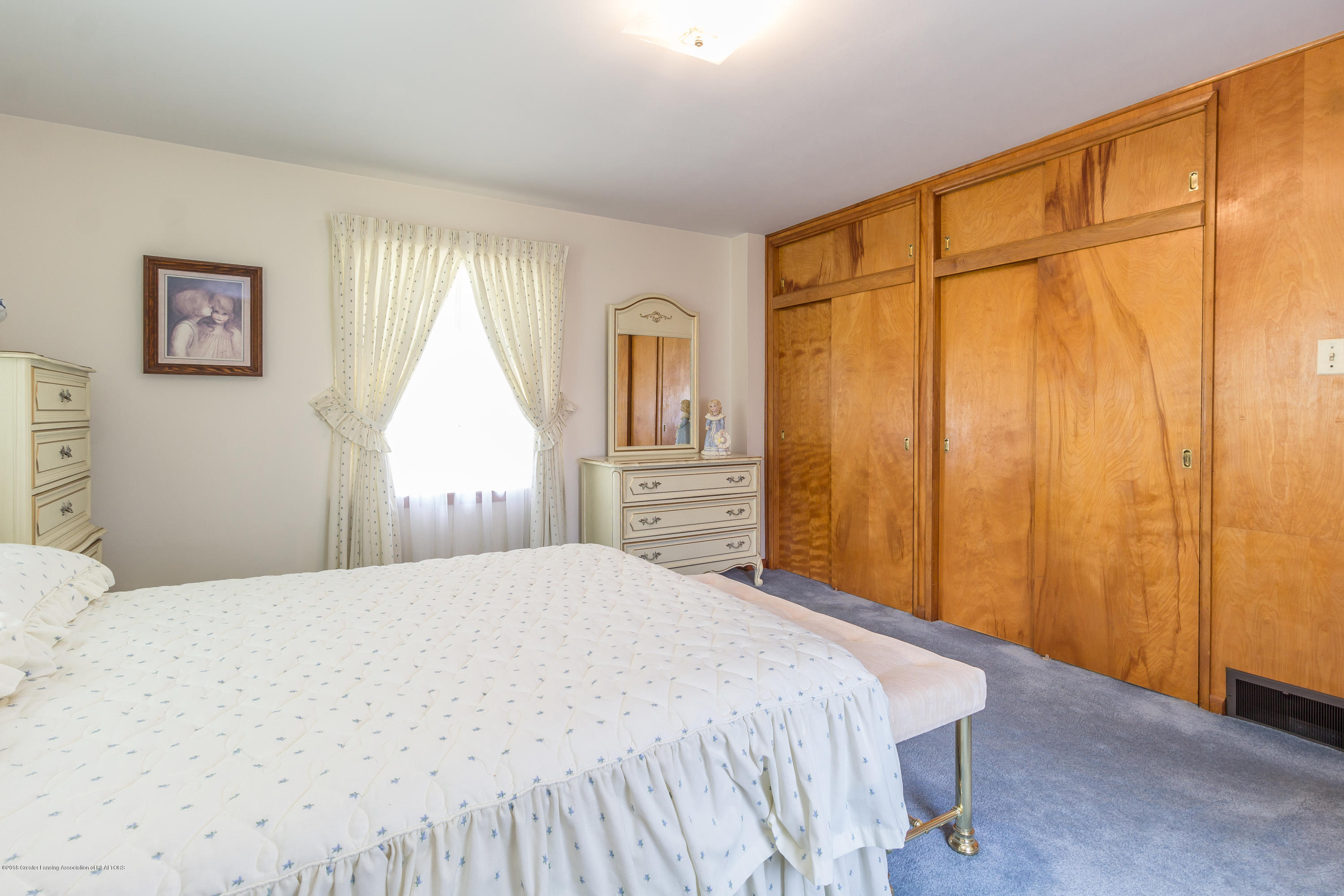 8484 Riverside Rd - Bedroom 1 - 11