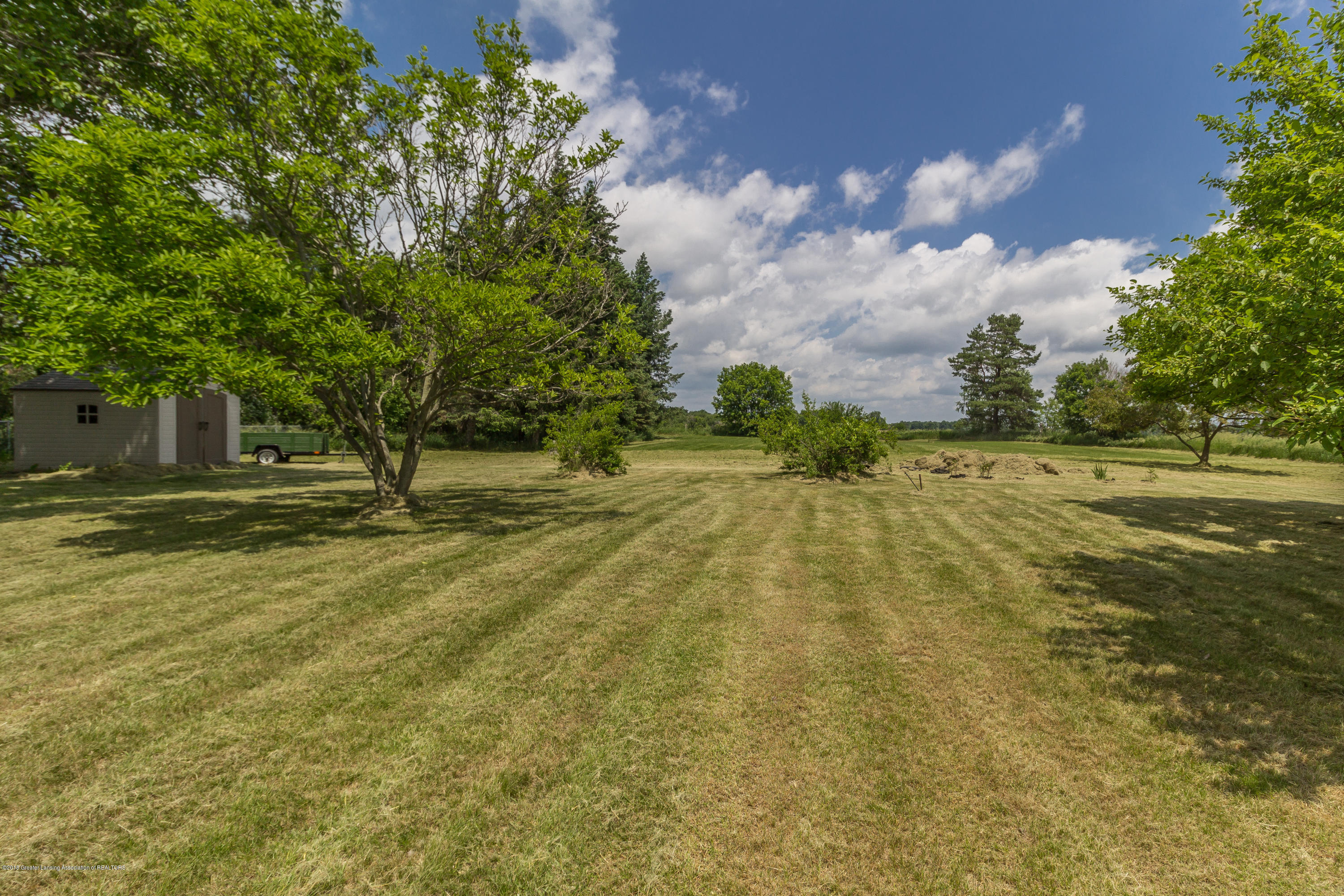 8484 Riverside Rd - 2 Acre Landscaped Lot - 34