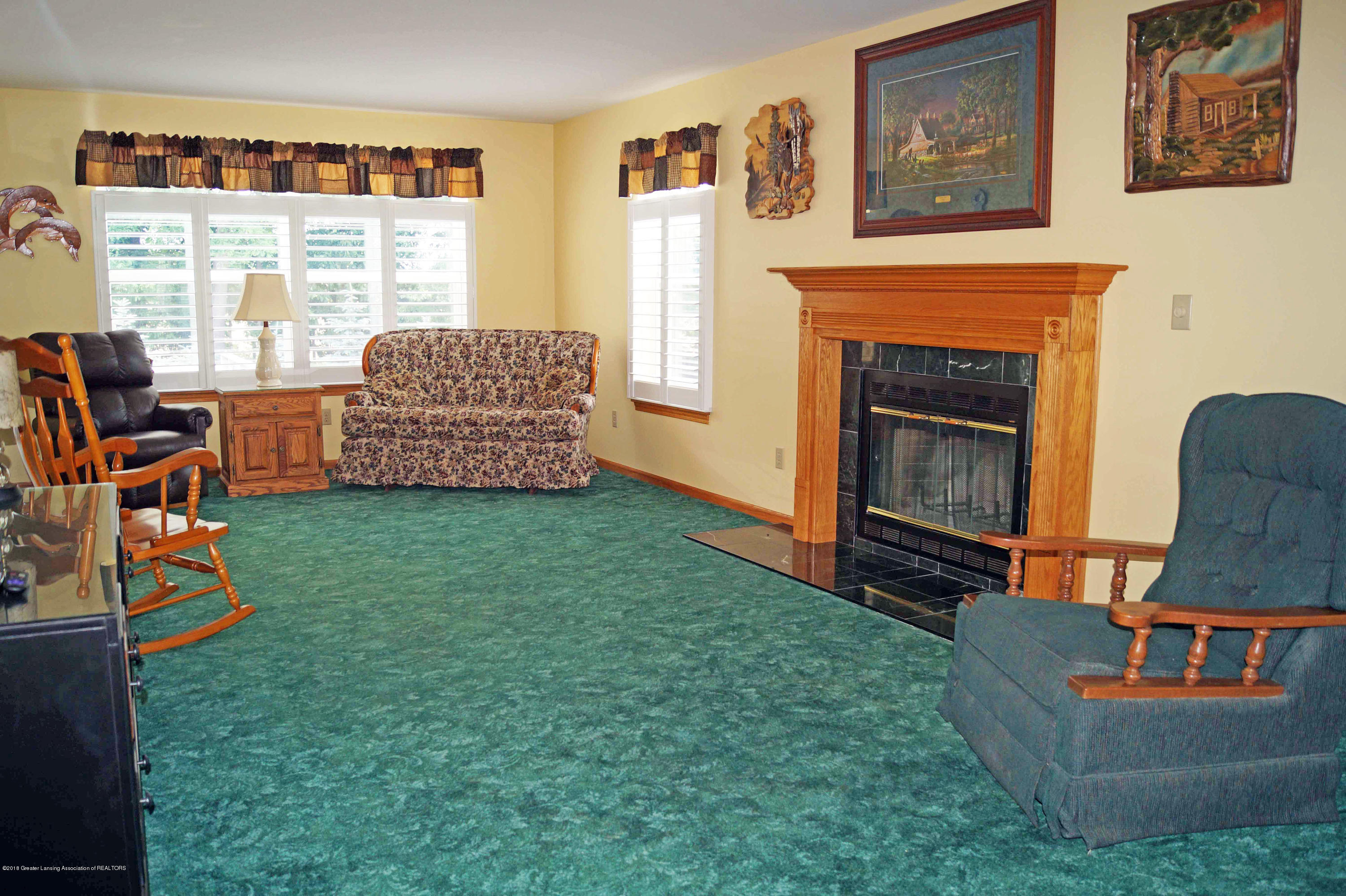 4691 Amber Ln - Great Room - 7