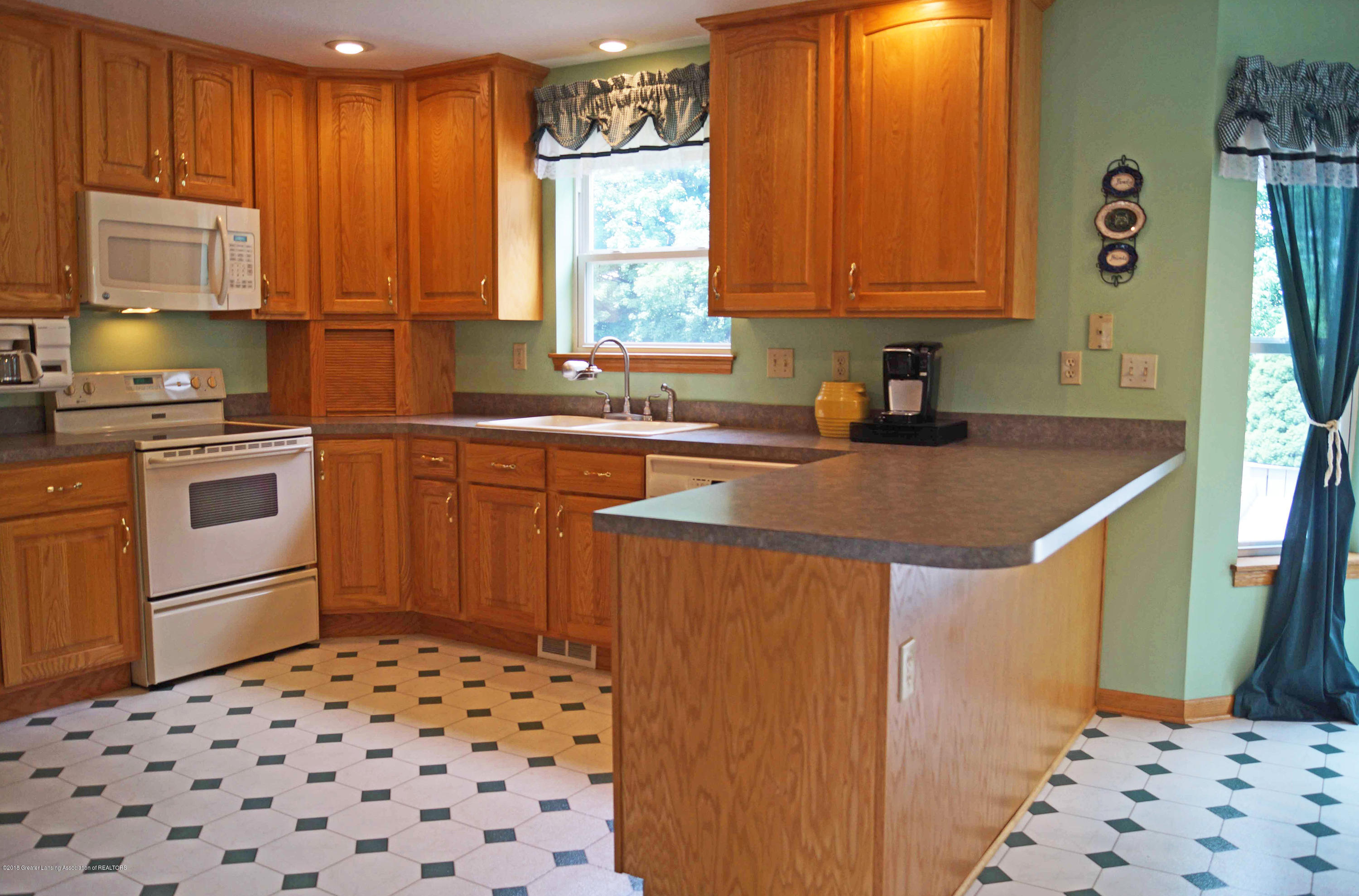 4691 Amber Ln - Kitchen - 11
