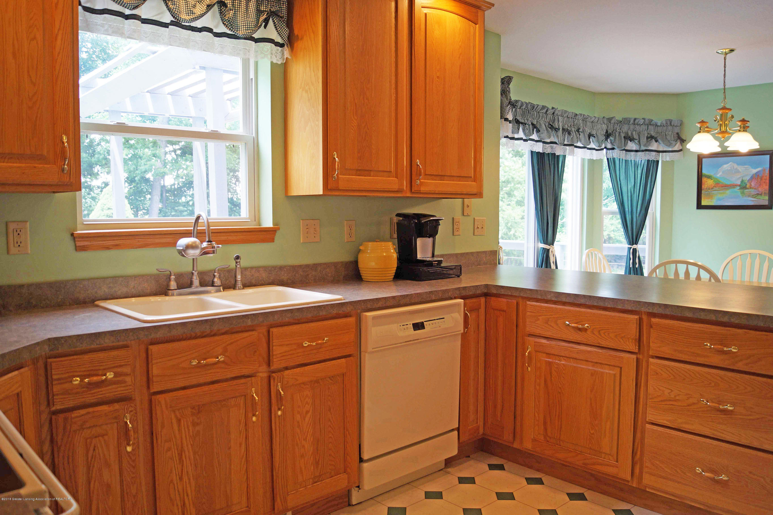 4691 Amber Ln - Kitchen - 13