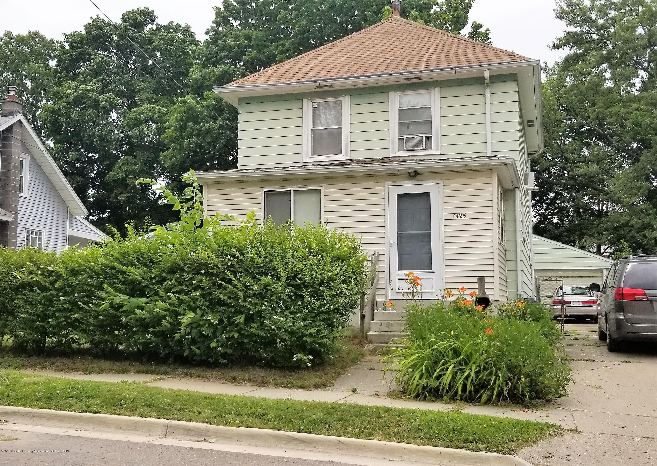 1425 Christopher St - Front of Home - 1